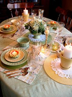 Yellow/Green Table by dining delight1, via Flickr