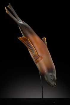 Beautiful fluid lines in this glass sculpture called Huntress, by Tlinglit artist, Raven Skyriver Arte Inuit, Native American Artwork, Glass Museum, Art Walk, Indigenous Art, Aboriginal Art, Fish Art, Native Art, Indian Art