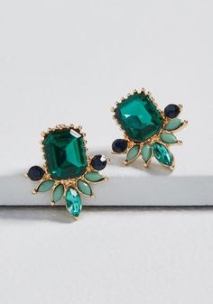 Give into Gleam Earrings - Treat yourself to the sparkling sophistication of these stud earrings! Outfitted with deep green, soft mint, and soothing teal rhinestones, this pair offers the elegance you so deserve. 1920s Jewelry, Chanel Jewelry, Fashion Jewelry Necklaces, Trendy Jewelry, I Love Jewelry, Best Jewellery Online, Best Jewelry Stores, Green Earrings, Stud Earrings