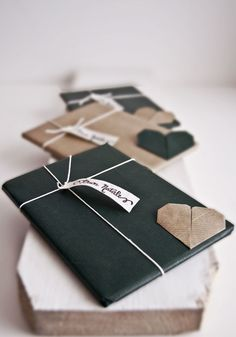 Christmas wrapping with paperfolding heart #wrapping #christmas #paperfolding #origami #heart