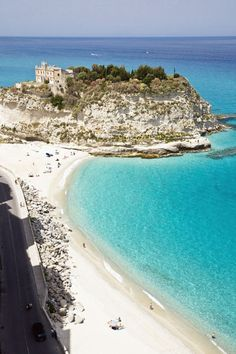 Urlauber-Ranking: Das sind die 9 schönsten Strände Italiens - TRAVELBOOK.de
