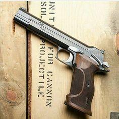 #original_guns #likeback #picoftheday #photo #danbilzerian #deserteagle #colt1911 #colt45 #colt #smithwesson #likeforlike #baretta #silahlar #original #tagsforlikes #silah #gold #gun #guns #repost #red #black #gold #owner #instagood #instadaily #instagramhub #glock #glock19 #good