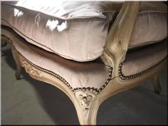 XV. Lajos stílusú antik bútorok - Antik bútor, egyedi natúr fa és loft designbútor, kerti fa termékek, akácfa oszlop, akác rönk, deszka, palló