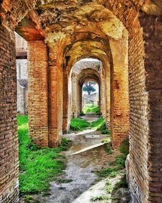"""Spanning Time"" - Ostia Antica  #photobydperry #ostiaantica #repostromanticitaly #rome #roma #italy #italia #loves_united_lazio #noidiroma #myrome #europe #europa ##wp #discoverglobe #topeuropephoto #architecture #instagood #instatravel #amazing #incredible_italy #awesome_earthpix #Italia_super_pics #ig_italy #ig_rome #loves_united_hdr #going_into_details #loves_united_roma #scavi #excavation #spgitaly"