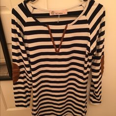 Striped dress Only worn once. Striped dress with elbow pads. From lizard thicket boutique Dresses Mini