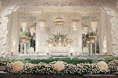 Sea shell inspired wedding stage