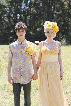 Offbeat bride and groom | Lara Hotz Photography | see more on http://burnettsboards.com/2014/02/colors-incredible-inspiration-shoot/