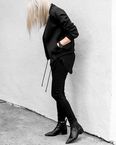 All black outfit Rock Outfits, Edgy Outfits, Colourful Outfits, Simple Outfits, Monochrome Fashion, Minimal Fashion, Insta Models, All Black Outfit, Street Style Summer