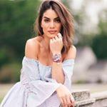 Se você ama moda, com certeza já percebeu que o Instagram é a rede social ideal para ficar por dentro das tendências e se inspirar navegando na timeline. Viagem, decoração, moda, eventos, lançamentos… você encontra tudo isso na tela do seu celular se você seguir as pessoas certas! E é por isso que elaboramos uma listinha de mulheres brasileiras que você P-R-E-C-I-S-A seguir agora mesmo! 💕  Leia agora mesmo clicando aqui > BLOG.TAOSIMPLES.com.br !  #decoração #homedecor #lifestyle #moda…