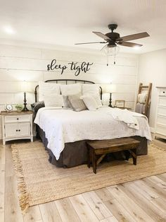 Sleep tight Metal Wall Art sleep Sign Metal Home Wall Guest Bedrooms, Home Wall Decor, Home, Bedroom Makeover, Home Bedroom, Farmhouse Style Master Bedroom, Dream Bedroom, Remodel Bedroom, Master Bedrooms Decor