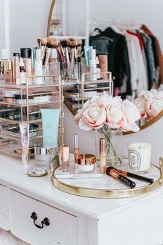 Sharing my 10 favorite beauty products of the best beauty products of 2018 from the world of skincare, makeup and more. vanity decor My 10 Favorite Beauty Products of 2018 Room Decor Bedroom, Dorm Room, Bedroom Ideas, Rangement Makeup, Makeup Rooms, Aesthetic Rooms, Makeup Organization, Organization Store, Makeup Vanity Storage