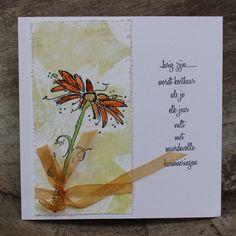 Een paar verjaardags kaartjes gemaakt !         Eerst een achtergrond gemaakt met behulp van de Gelly Plate.   Daarna met watervaste inkt ...
