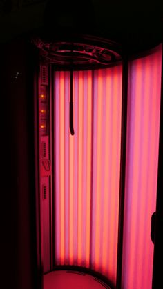 I will be replacing the bulbs in my tanning bed and switching to Red Light Therapy Bulbs! Safe Tanning, Self Tanning Lotions, Best Tanning Lotion, Tanning Tips, Suntan Lotion, Tanning Salons, Tanning Cream, Cama Solar