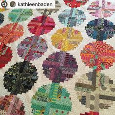 We LOVE @kathleenbaden's version of Log Cabin Beads! Such gorgeous #tulapink fabrics! (Original pattern from #quiltsamplermagazine spring/summer 2014.)