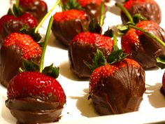 chocolate strawberries. Easyy