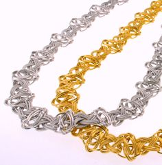 WHITE &YELLOW GOLD NECKLACE  http://www.unoaerre.jp/index.html