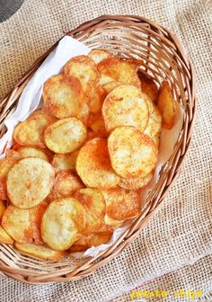 Potato chips recipe with step by step photos. Sharing an easy recipe for potato chips, the way we get in shops. Lately I had a reader ask me how to make potato chips at home just like what we get i… Organic Recipes, Indian Food Recipes, Vegetarian Recipes, Snack Recipes, Cooking Recipes, Easy Recipes, Vegan Vegetarian, How To Make Potatoes, Fast Food