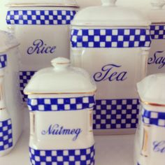 blue and white vintage canisters Blue And White China, Blue China, Love Blue, Color Blue, Colour, Vintage Canister Sets, Kitchen Canister Sets, Kitchen Jars, Kitchen Items