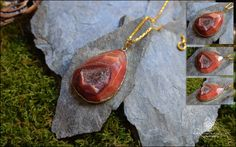 "Nouvelle Créa: Marie Wicca Série "" Magic Forest"" belle Agate Orange. DIM: 54x41mm Origine Pierre: chine Sertissage:Alliage Fait main.  Matières: Agate Géode Rose, Alliage plaqué or. Ref:0145"