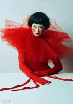 Photographed by Guo Li models Tim Walker, Vogue, Fashion Photography Inspiration, Red Aesthetic, Creative Portraits, China Fashion, Bunt, Lady In Red, Editorial Fashion