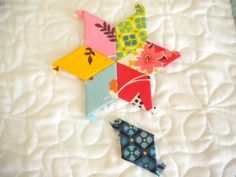 How to : paper piecing. Patterned Diamond-Shaped Quilt. Plus more patterns