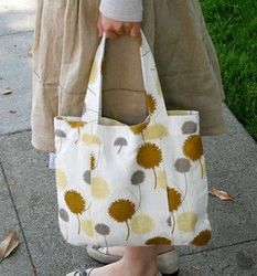 Flowie Simple Life Daily Tote - Cotton Ball