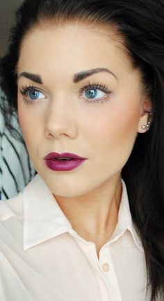 Bronzer/blush, brows, mascara and berry lipstick. I love how the lipstick just dresses this look right up!