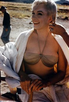 """Marilyn Monroe on the set of """"The Misfits"""" 1961."""