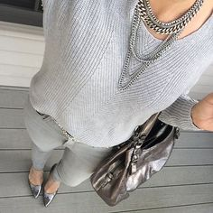 Since participating in Instagram style challenges, I've really gone outside of my usual comfort zone. Case in point: today's #januarywearwhatwhere {Gray Girl Gray} prompt. I never would have thought to wear this all gray outfit, but it's one of my favorites. I wore this to date night and my husband even commented which is rare (positively commented LOL)
