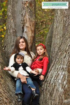 fall portrait ideas + siblings in a tree!    studiosblog.com
