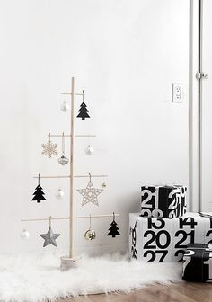 Árvore de Natal moderna e minimalista. #árvoredenatal #christmastree #wood