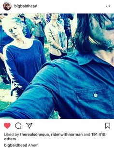 Norman Reedus Pranks Andrew Lincoln On Set In New Leaked Photo Walking Dead Tv Series, The Walking Dead 3, Daryl And Carol, Talking To The Dead, Melissa Mcbride, Chandler Riggs, Carl Grimes, Stuff And Thangs, Andrew Lincoln