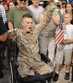 No tener un brazo no me hace menos, no tener unas piernas no me hace menos hombre ...soy soldado mi alma lo dice