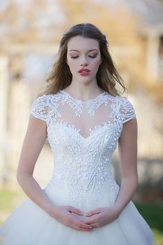 Ever After Bridal Exclusive Wedding Gowns #weddinggowns @weddingchicks