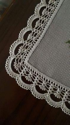 Crochet Border Patterns, Crochet Boarders, Crochet Table Runner Pattern, Lace Knitting Patterns, Crochet Lace Edging, Christmas Crochet Patterns, Crochet Tablecloth, Crochet Diagram, Filet Crochet