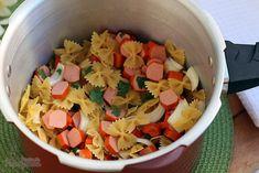 Macarrão com salsicha. | 10 receitas de uma panela só para apaixonados por macarrão