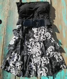 western belted dress perfect hippie cowgirl dress to wear with your western leather cowboy boots Country Girl Belts, Country Girl Dresses, Cowgirl Dresses, Country Outfits, Western Dresses, Western Outfits, Western Wear, Country Style, Pretty Prom Dresses