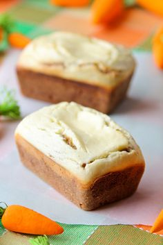 Mini Carrot Cake Loaves with Baked Cream Cheese Topping - WOW.