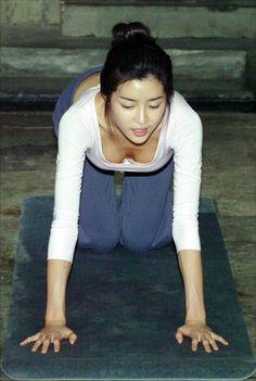 Park Han-Byul 박한별 요가 13p Park Han Byul, Hottest Models, Ballet Dance, Asian Beauty, Candid, Asian Girl, Celebs, Yoga, Japan