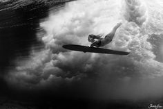 Diving In Photograph by Sarah Lee. Picture of a surfer duck diving under a wave with a wooden alaia, Kona, Hawaii Photoshop, Kayak, Surf Girls, Outdoor Woman, Belleza Natural, Underwater Photography, Photography Photos, White Photography, National Geographic Photos