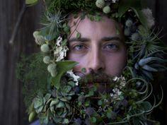 Men with flowers in their beards. Zippertravel.com Digital Edition