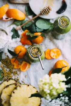 Honey Citrus Morning Green Smoothie | http://thealmondeater.com