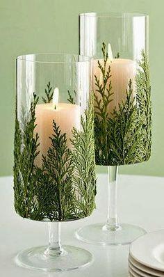 Uns galhinhos, copos e uma vela: é só disso que você precisa para criar um belo enfeite!