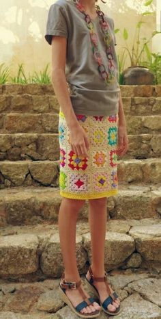 Crochet Skirts Granny Square Skirt - Love it but not sure my backside would maintain the integrity of the square! Granny Square Häkelanleitung, Granny Square Crochet Pattern, Crochet Granny, Knit Crochet, Granny Squares, Crochet Summer, Crochet Skirts, Crochet Clothes, Knitted Skirt