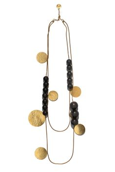 Below are gorgeous necklaces from Hervé Van der Straeten , a Paris-based designer noted for creating luxurious modern furniture and accesso. Photo Jewelry, Jewelry Art, Antique Jewelry, Gold Jewelry, Beaded Jewelry, Jewelery, Jewelry Accessories, Handmade Jewelry, Jewelry Design