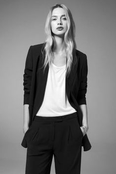This Is The Minimalist Wardrobe You've Been Dreaming Of #refinery29 http://www.refinery29.com/atea#slide20
