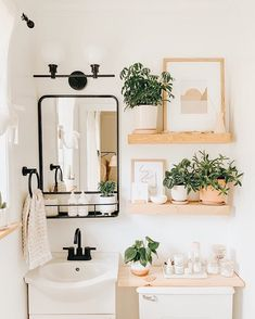 Bathroom Inspiration, Home Decor Inspiration, Decor Ideas, Bathroom Ideas, Bathroom Plants, Bathroom Remodeling, Decor Diy, Bathroom Inspo, Bathroom Organization