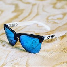 73d18f22a2 Check out the brand-new  Frogskins Lite