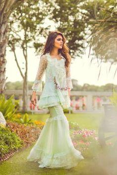 Pakistani Wedding Outfits, Pakistani Dresses Casual, Pakistani Dress Design, Indian Dresses, Stylish Dresses, Casual Dresses, Fashion Dresses, Girls Dresses, Eid Dresses