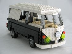 Volkswagen Camper by legospod | The Brothers Brick | LEGO Blog